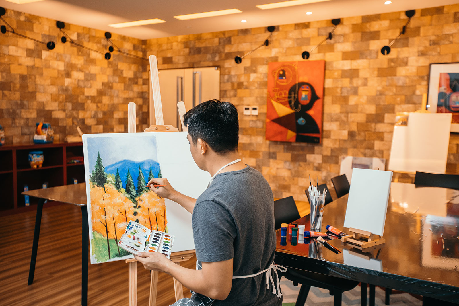 Arts And Crafts Studio